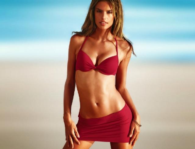 Самые красивые модели мира - Алессандра Амбросио