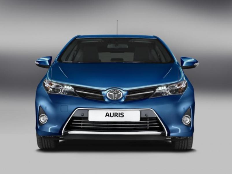 самые экономные внедорожники - Toyota Auris HSD