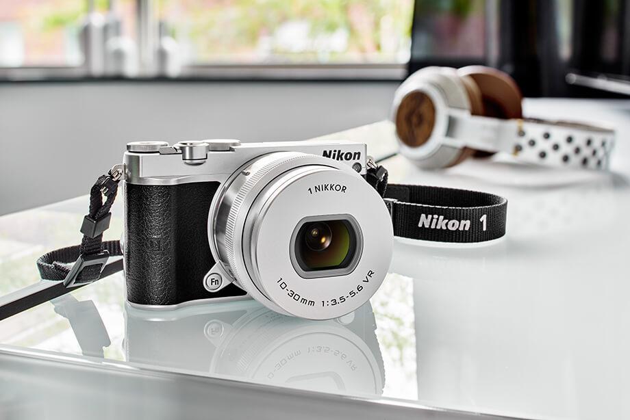 Лучшие фотоаппараты - Nikon 1 j5