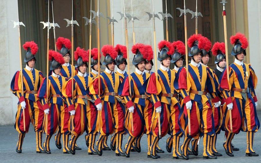 Швейцарские солдаты в Ватикане