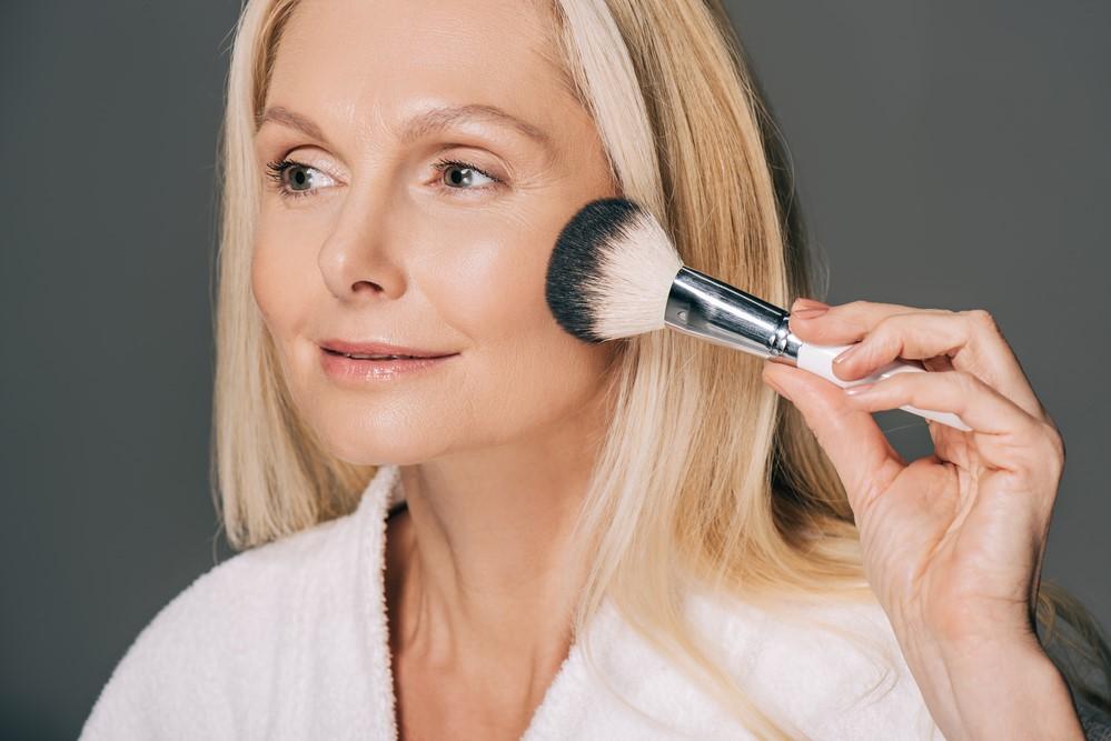5 правил лифтинг-макияжа, которыми пользуются визажисты
