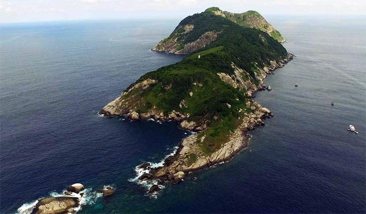Топ-10 странных островов в мире