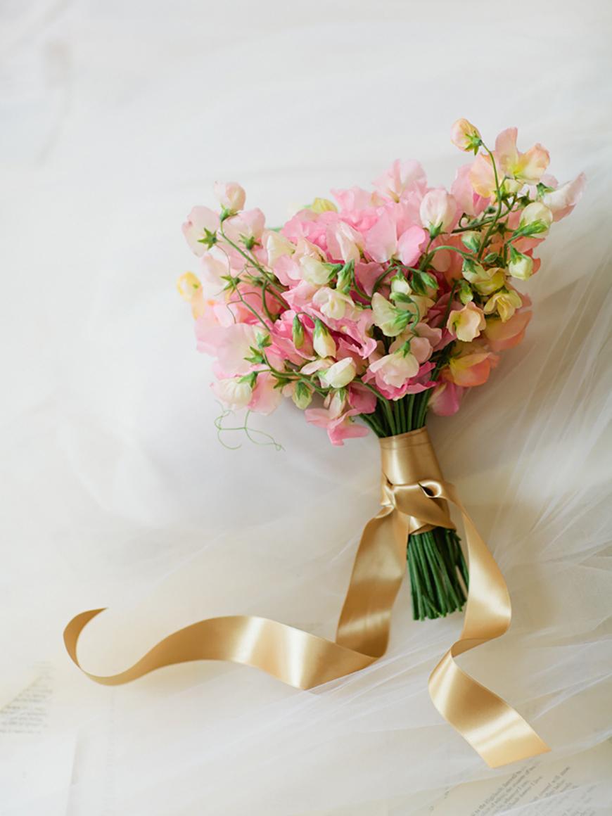 Топ-10 свадебных цветов для букетов, бутоньерок и украшений декора