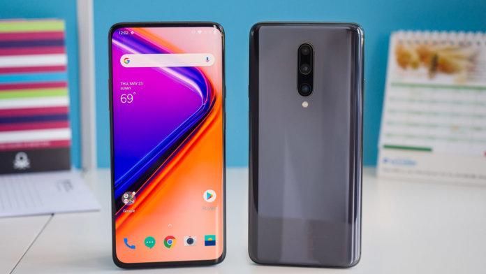Топ-10 популярных смартфонов 2020 года