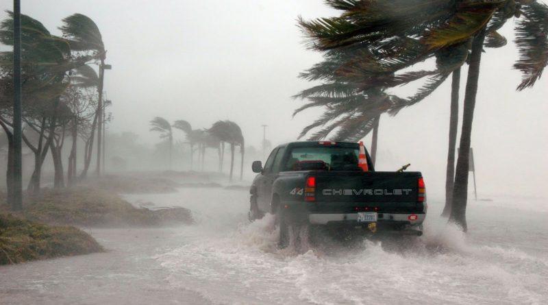тропических циклонах