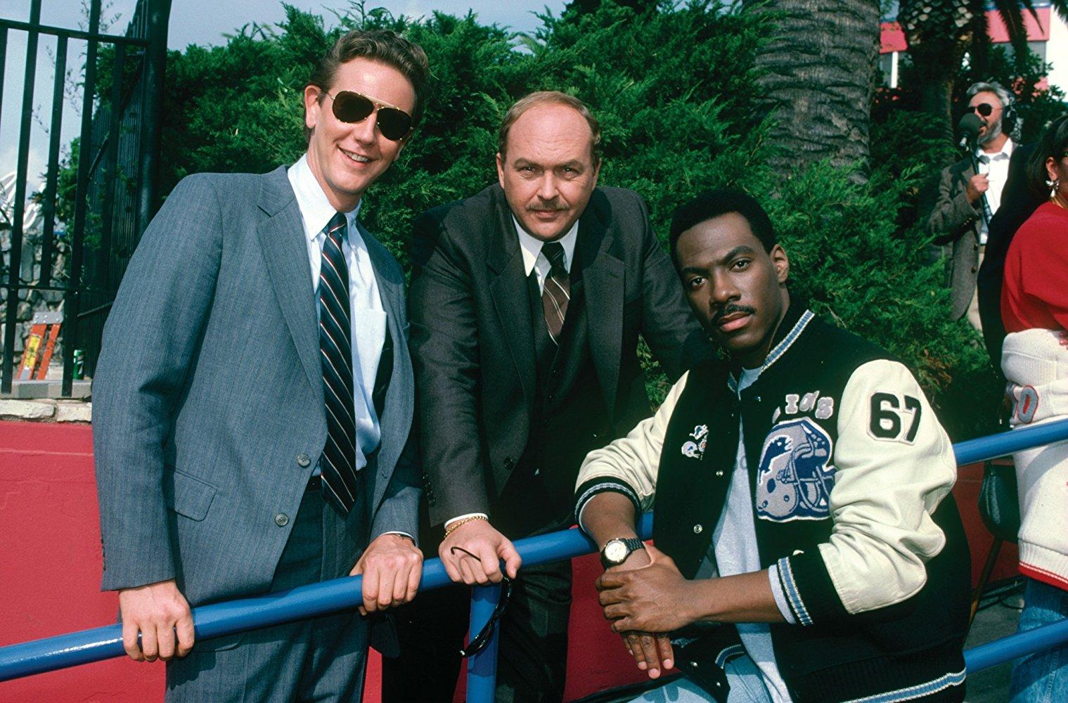 Судья Рейнхольд, Эдди Мерфи и Джон Эштон в роли полицейских в Beverly Hills Cops
